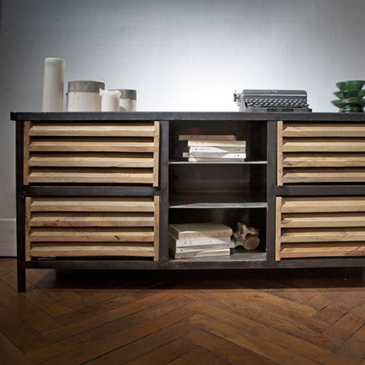 buffet meuble tv en manguier et m tal noir williamsburg guibox decoclico. Black Bedroom Furniture Sets. Home Design Ideas