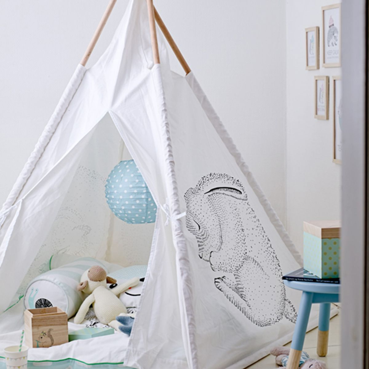 tente tipi pour enfant en bois et coton cr me bloomingville decoclico. Black Bedroom Furniture Sets. Home Design Ideas